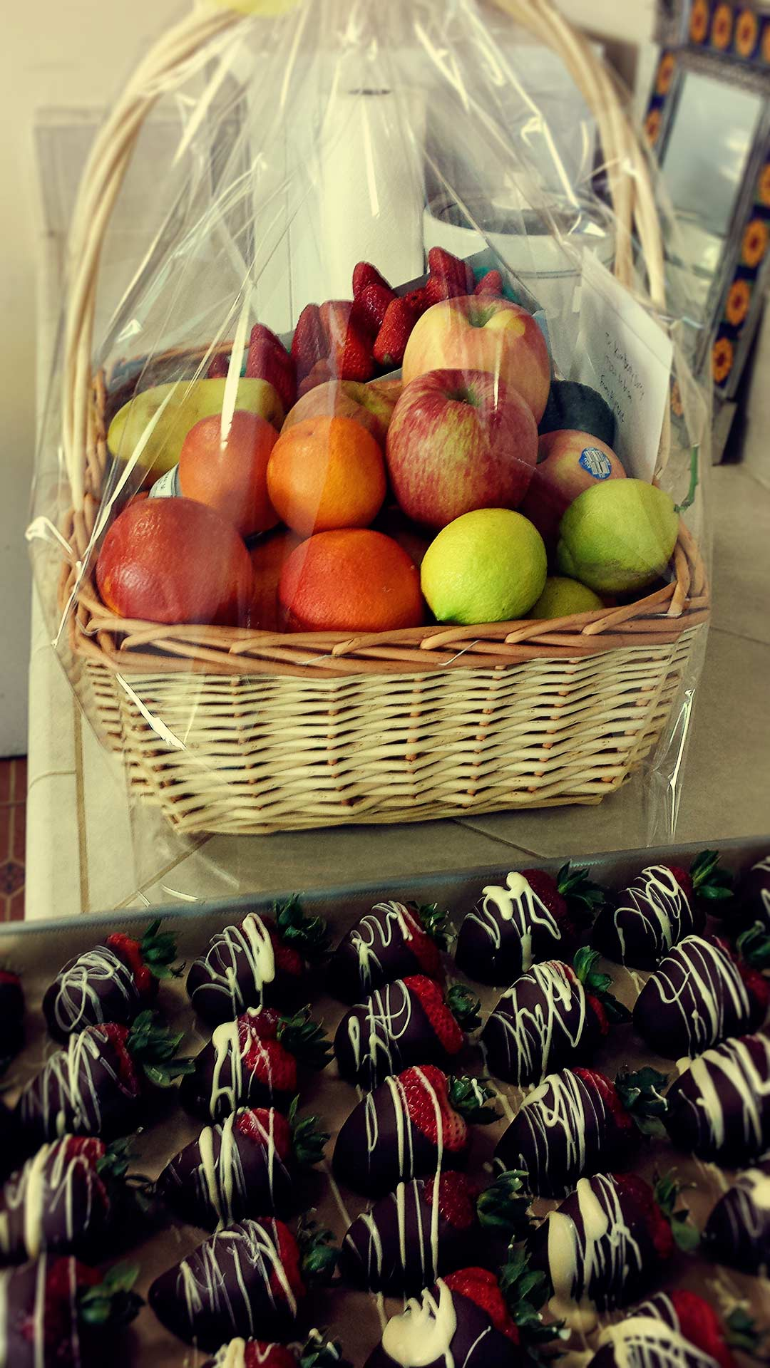 Fruit And Chocolate Gift Boxes : Gifts fruit boxes gift baskets locally made jewelry